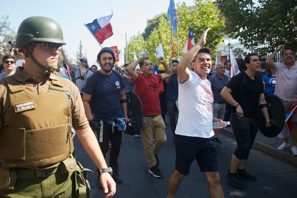 """cedido: Carabineros resguarda marcha por el """"Rechazo"""""""